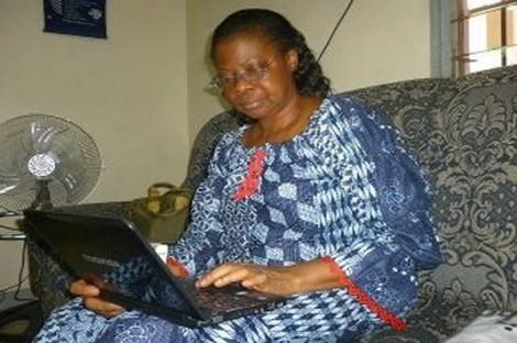 Journaliste Awa-Ehoura