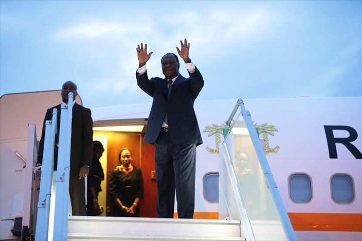 Ouattara a quitté Abidjan pour des vacances en France
