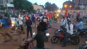 Les Burkinabè dans les rues du pays pour faire barrage au coup d'état