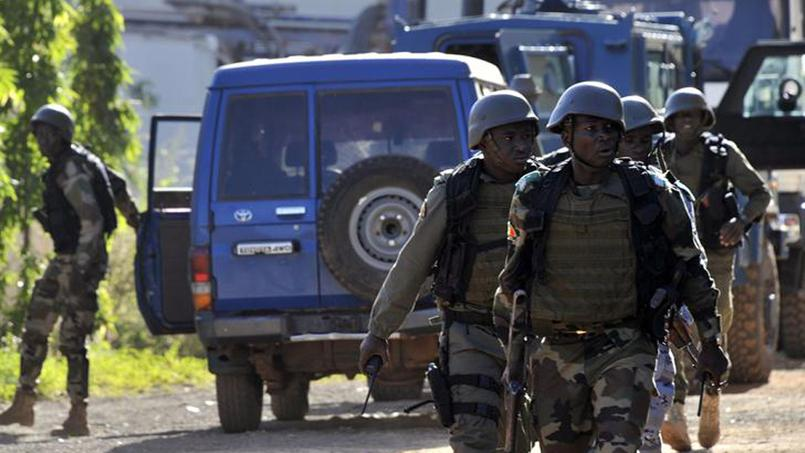 Fusillades dans un hôtel de Bamako: au moins trois otages tués