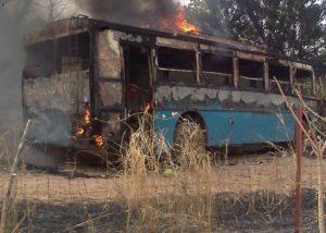 Un car transportant 47 pasteurs des Assemblées de Dieu prend feu en pleine circulation