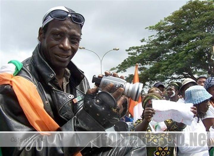 Le gouvernement ivoirien ouvre une procédure judiciaire contre Sidiki Bakaba en France